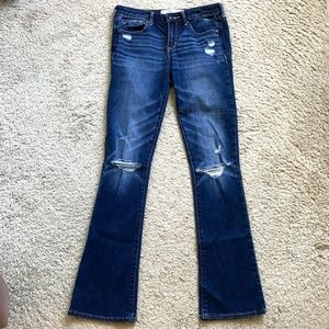 ABERCROMBIE & FITCH SKINNY BOOT RIPPED JEANS